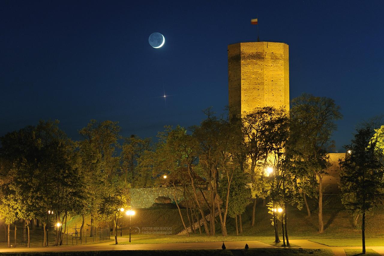 Księżyc i Mysia Wieża