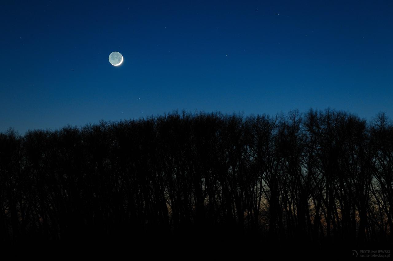 MŁODY KSIĘŻYC W STARYM ROKU. Światło popielate Księżyca.