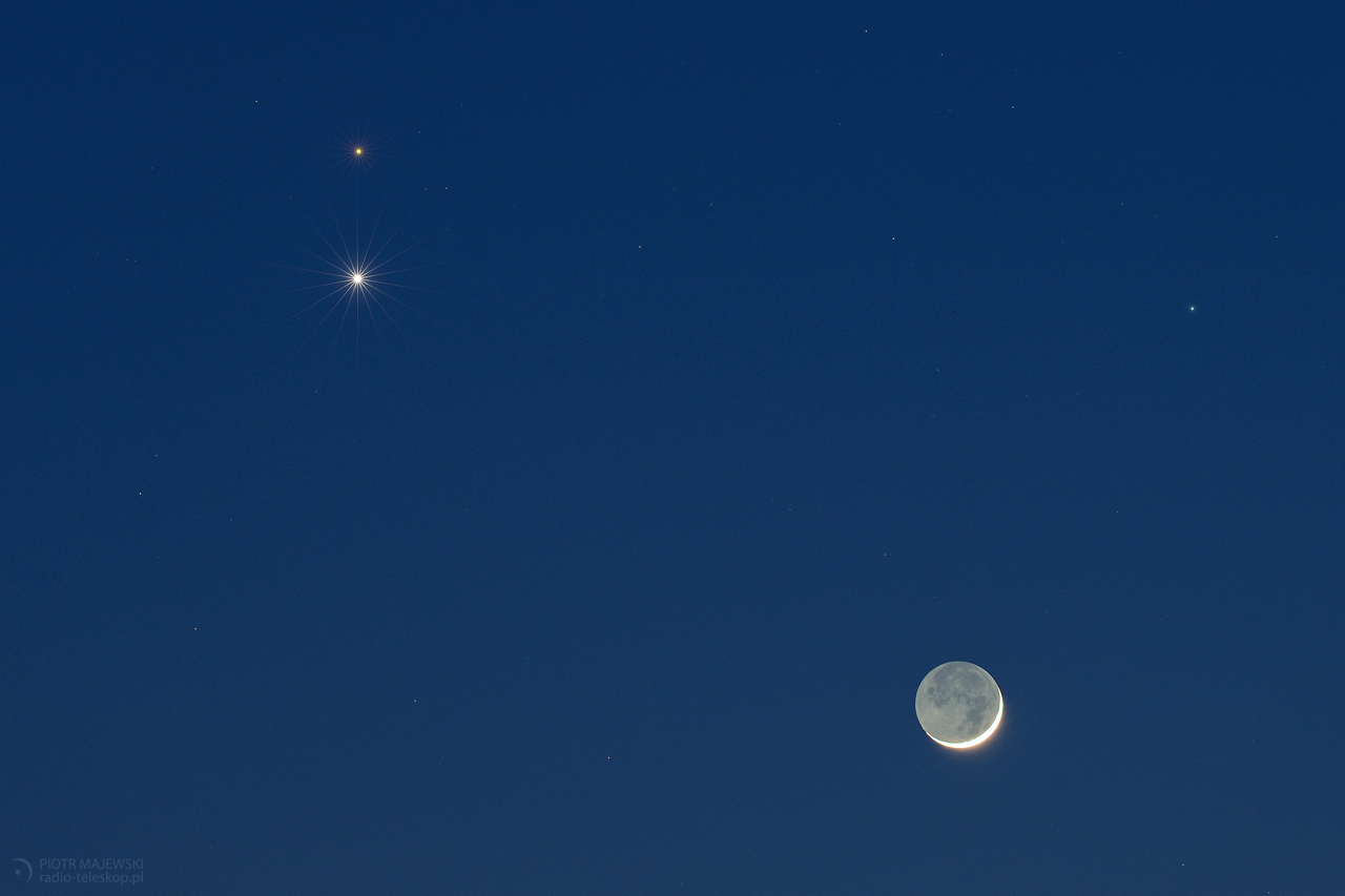 NIEBIESKI TRÓJKĄT. Złączenie Księżyca, Wenus i Marsa.