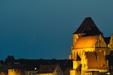 TORUŃ PO NOWIU. Księżyc dzień po nowiu nad toruńską Starówką.