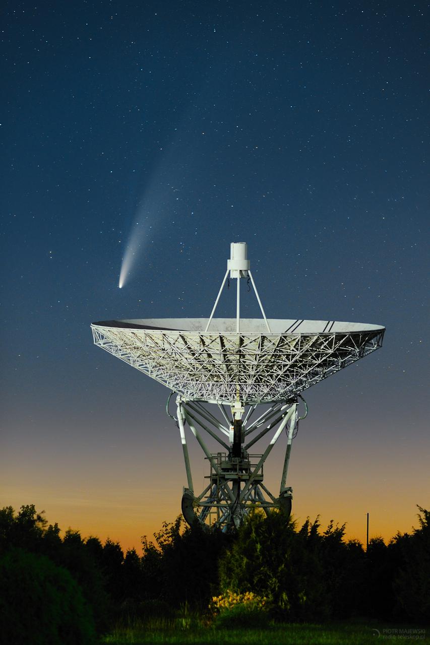 KOMETA NA TALERZU. Kometa C/2020 F3 NEOWISE nad radioteleskopem RT-3.